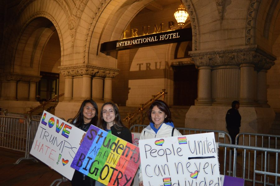 Madison+students+protest+in+front+of+the+Trump+hotel.